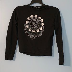 Divided Astrology XS sweatshirt black and white